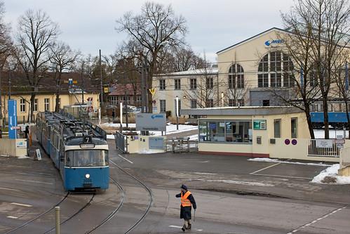 P-Zug 2005+3037 verlässt das MVG-Museum
