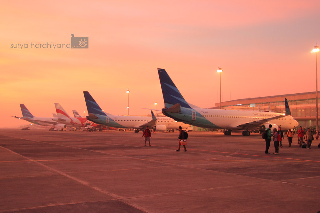 Suatu Pagi Yang Memerah di Bandara Juanda, Surabaya