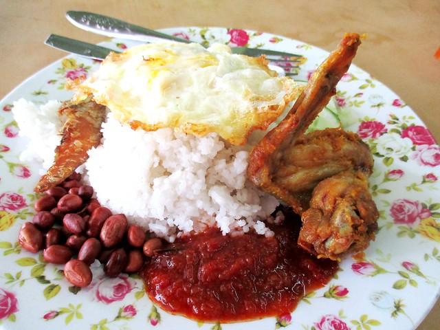 Hanyan Corner nasi lemak special