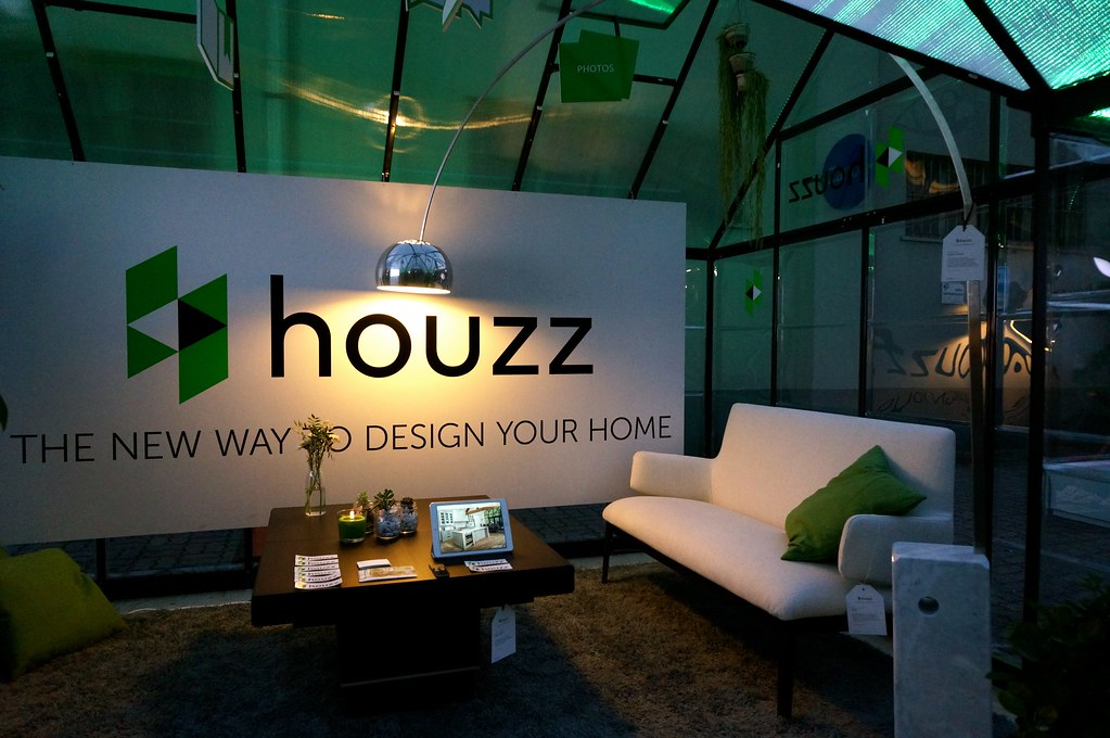 The Team Built A Glass House In Tortona, Where The More Than 300,000 Salone  Visitors Could Check Out The Houzz.it Experience, Relax And Meet Members Of  The ...