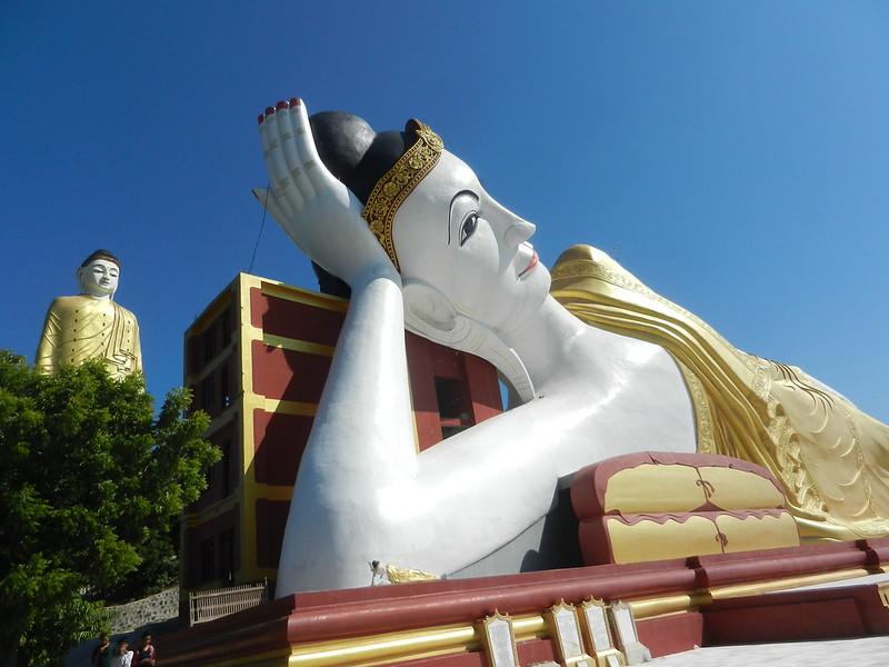 Моньва, храмы