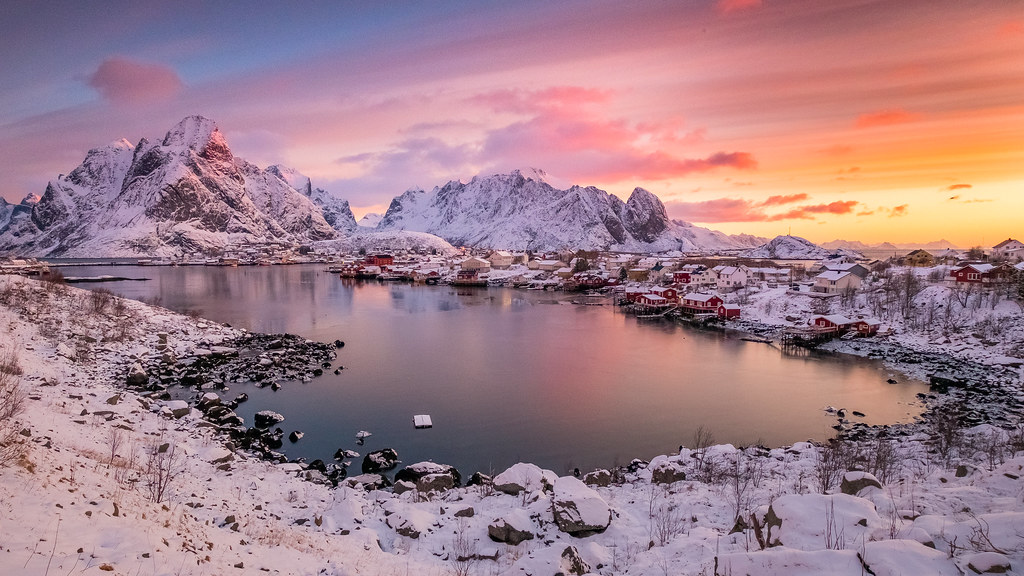 Early morning at Reine in Lofoten