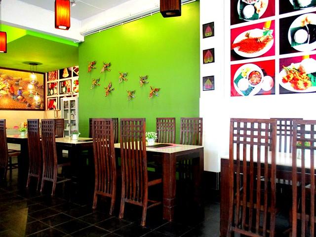 Islamic Nyonya Kafe, inside
