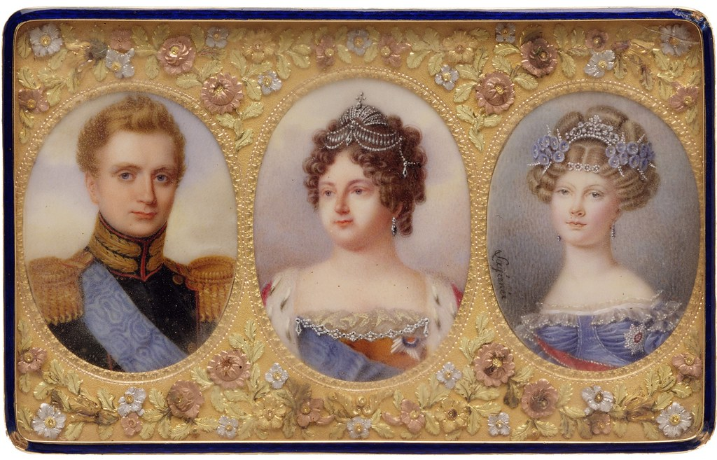 Snuffbox with portraits of Empress Maria Feodorovna, her Son Grand Duke Michael Pavlovich, and her daughter-in-law Elena Pavlovna, c. 1823