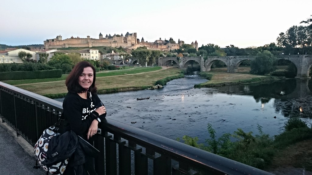 Old bridge and the Cité de Carcassonne in the background.