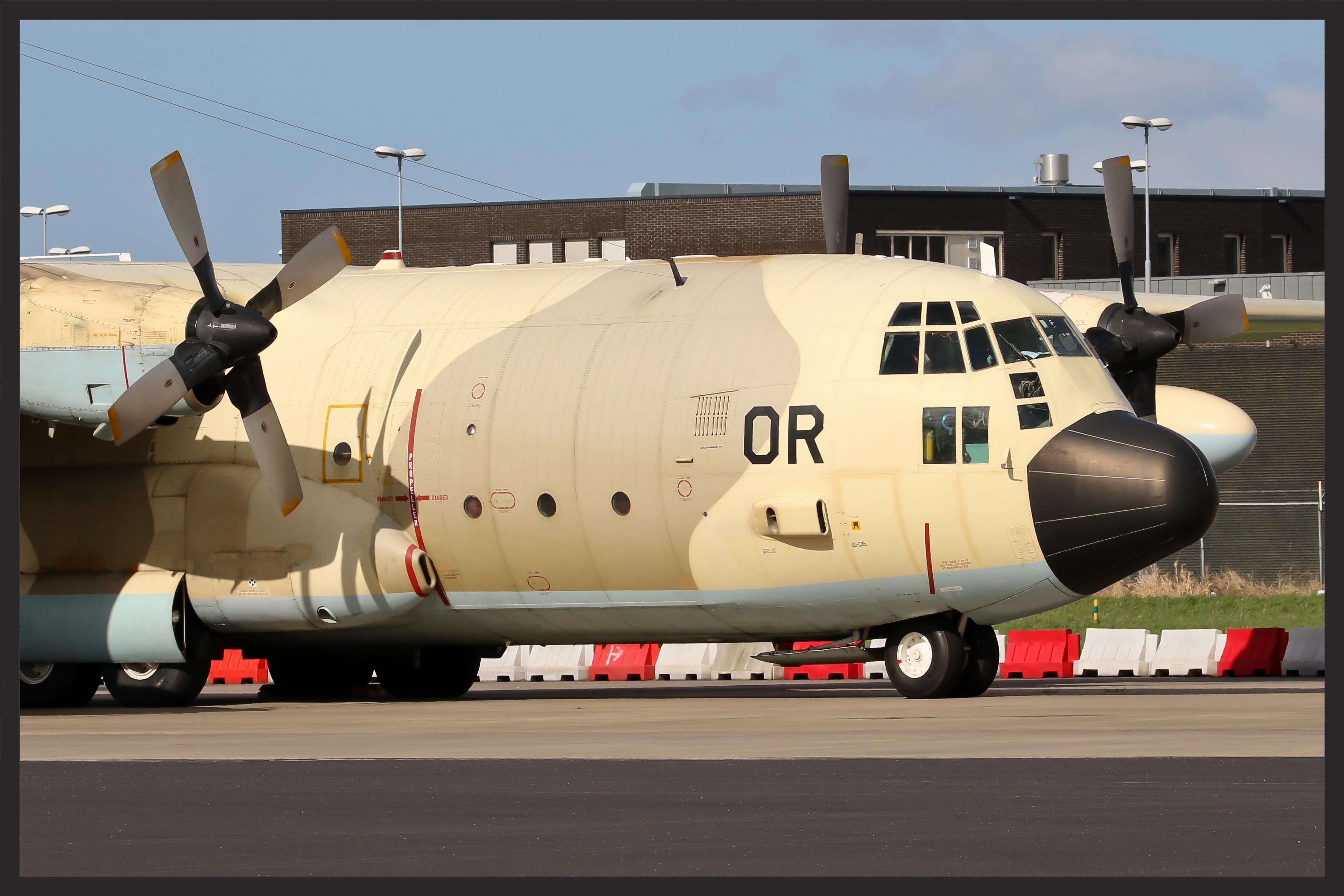 FRA: Photos d'avions de transport - Page 27 26130542496_3a4d74b247_o