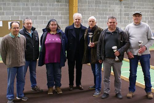 10/01/2016 - Plouezoc'h : Les vainqueurs du concours de boules plombées en triplettes mélées organisé par l'Amicale Bouliste Kerlanguis
