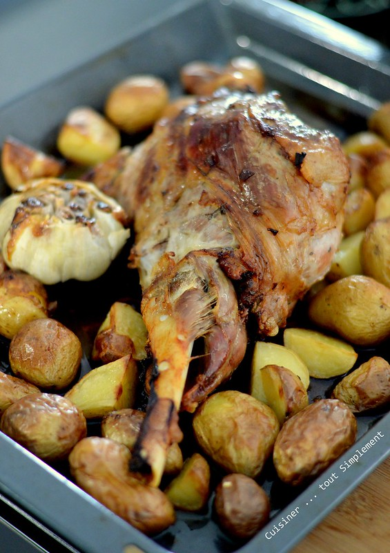Gigot d 39 agneau au four cuisiner tout simplement le - Cuisiner le cabillaud au four ...