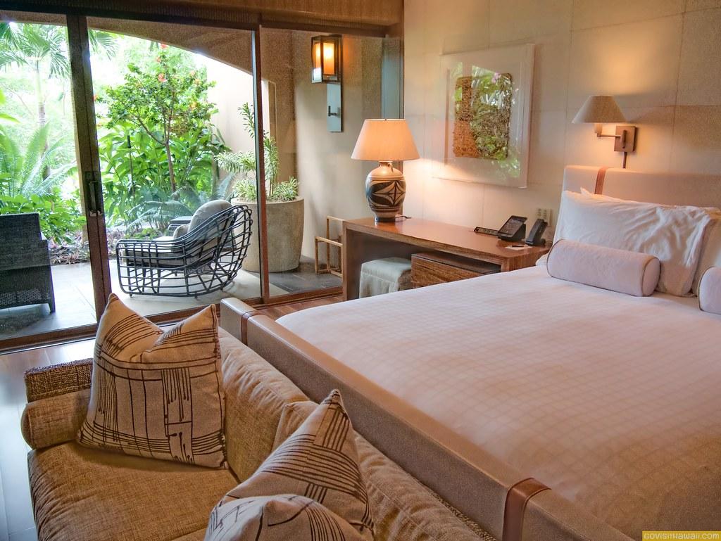 Garden view room at four seasons resort lanai go visit for Garden room 4 seasons