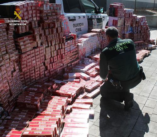 AionSur 26206657645_3baec628e7_d Cinco detenidos por contrabando de tabaco en la comarca de Las Cabezas de San Juan Sucesos