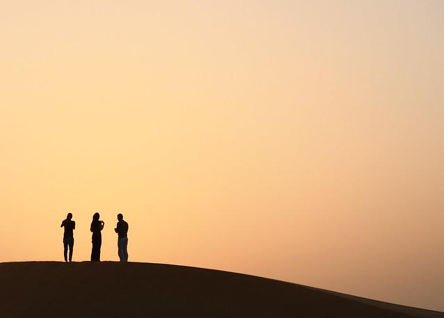 Contrastes del desierto en Emiratos Árabes