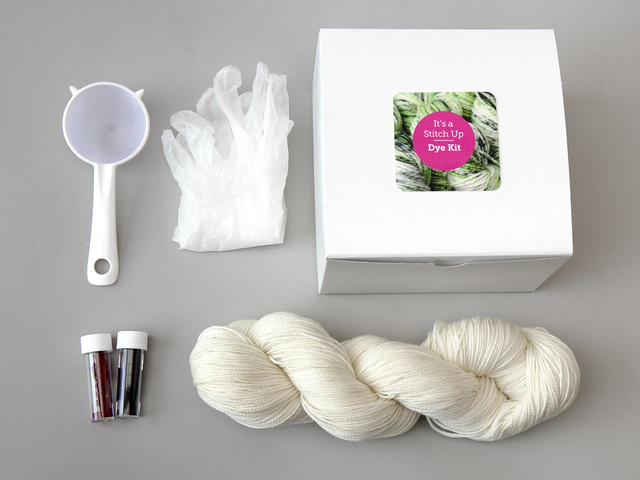 Speckle yarn dyeing kit – superwash merino or British Bluefaced Leicester wool (worldwide)