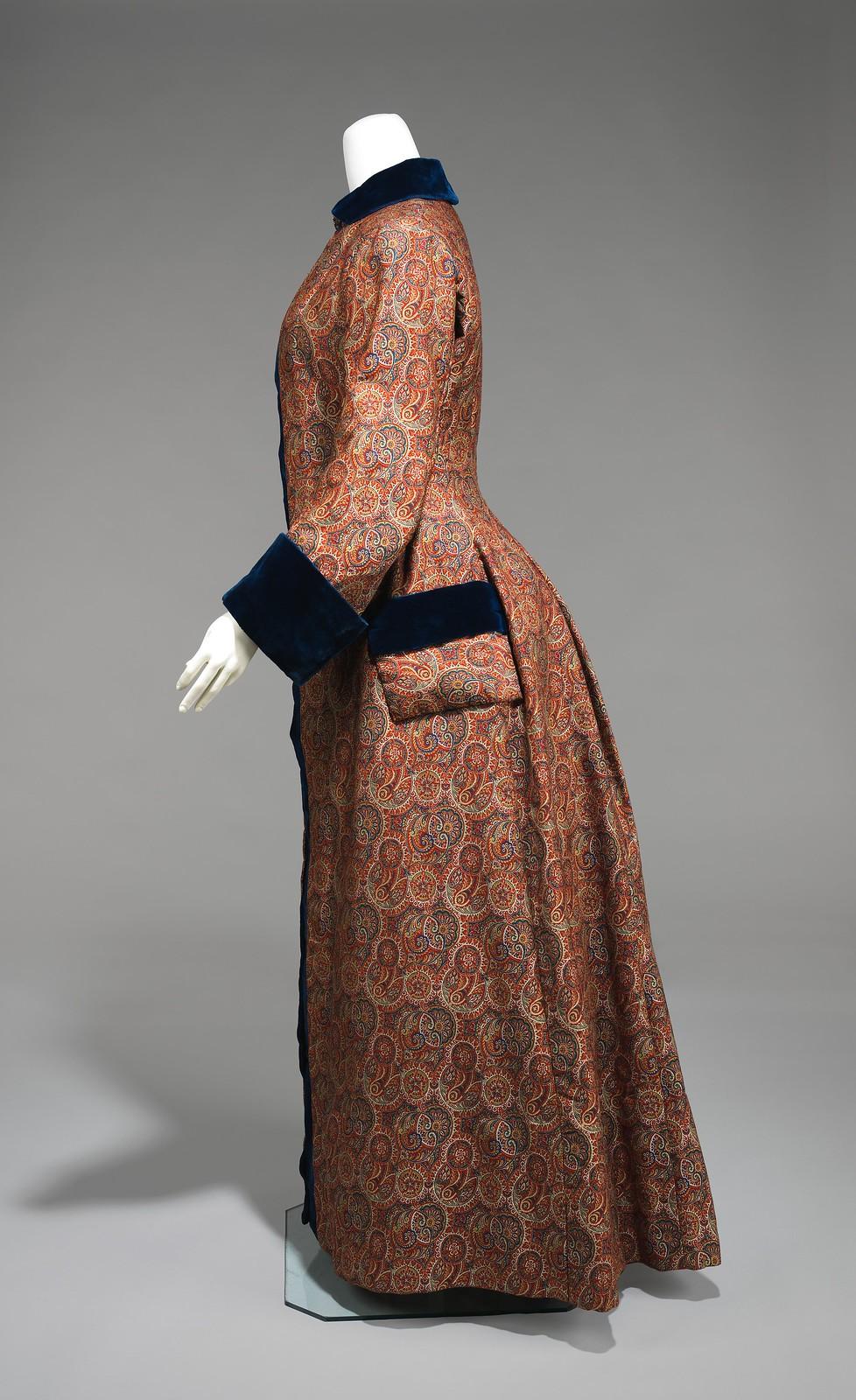 Dressing Gown 1880-85 American Wool, Silk, metmuseum