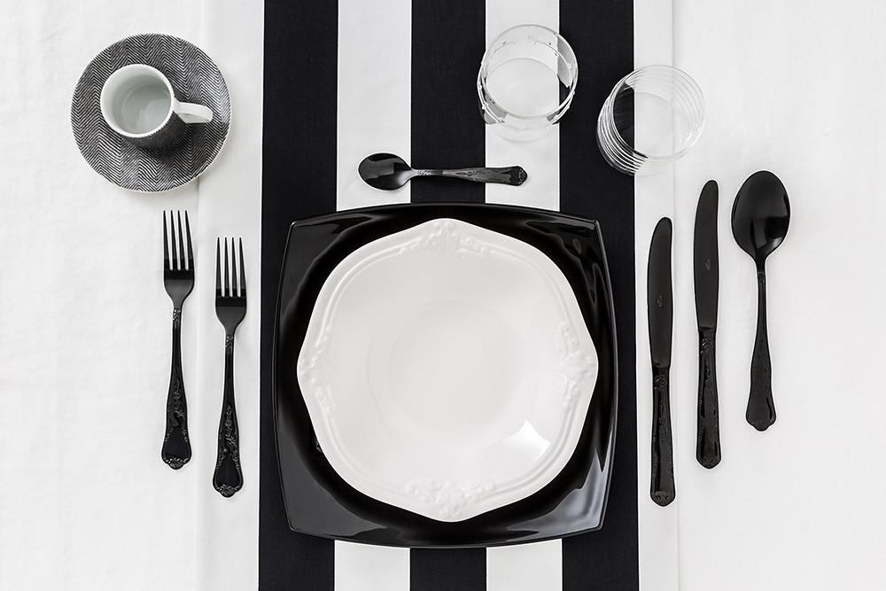 Black and White Interior Design: Monocromo is the new black.