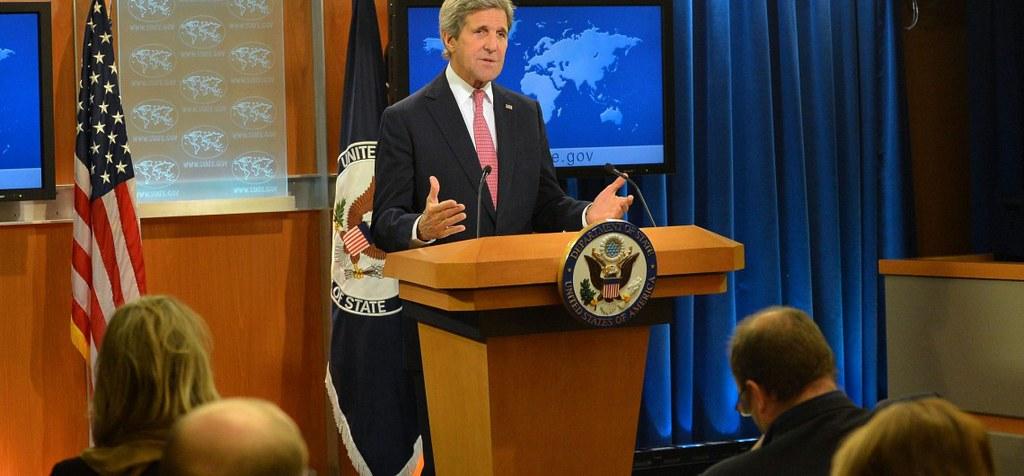 美国国务卿约翰·凯瑞(John Kerry)代表美国国务院发表《各国人权报告》。(照片来源:U.S. Department of State)