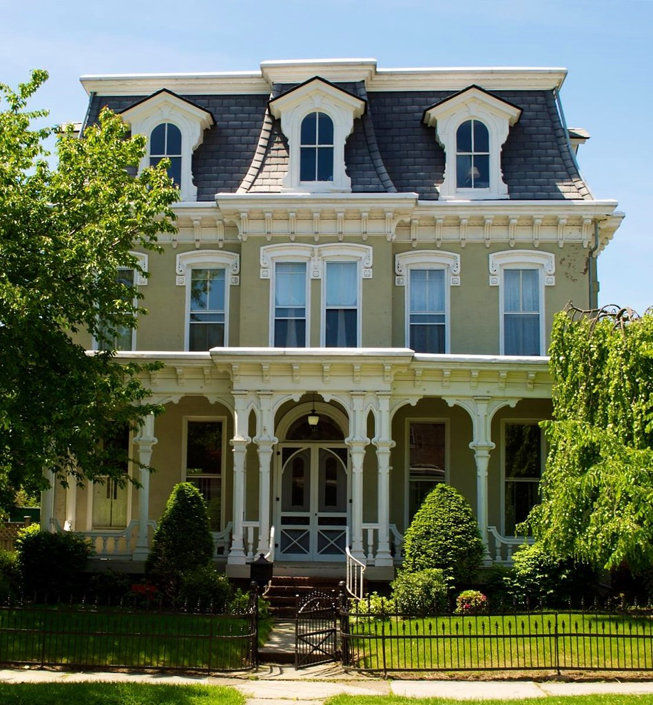 Sculpted details around windows and dormers of a House on Luzerne St at Warren, West Pittston, Luzerne County, PA. Image credit Brad Clinesmith, flickr.