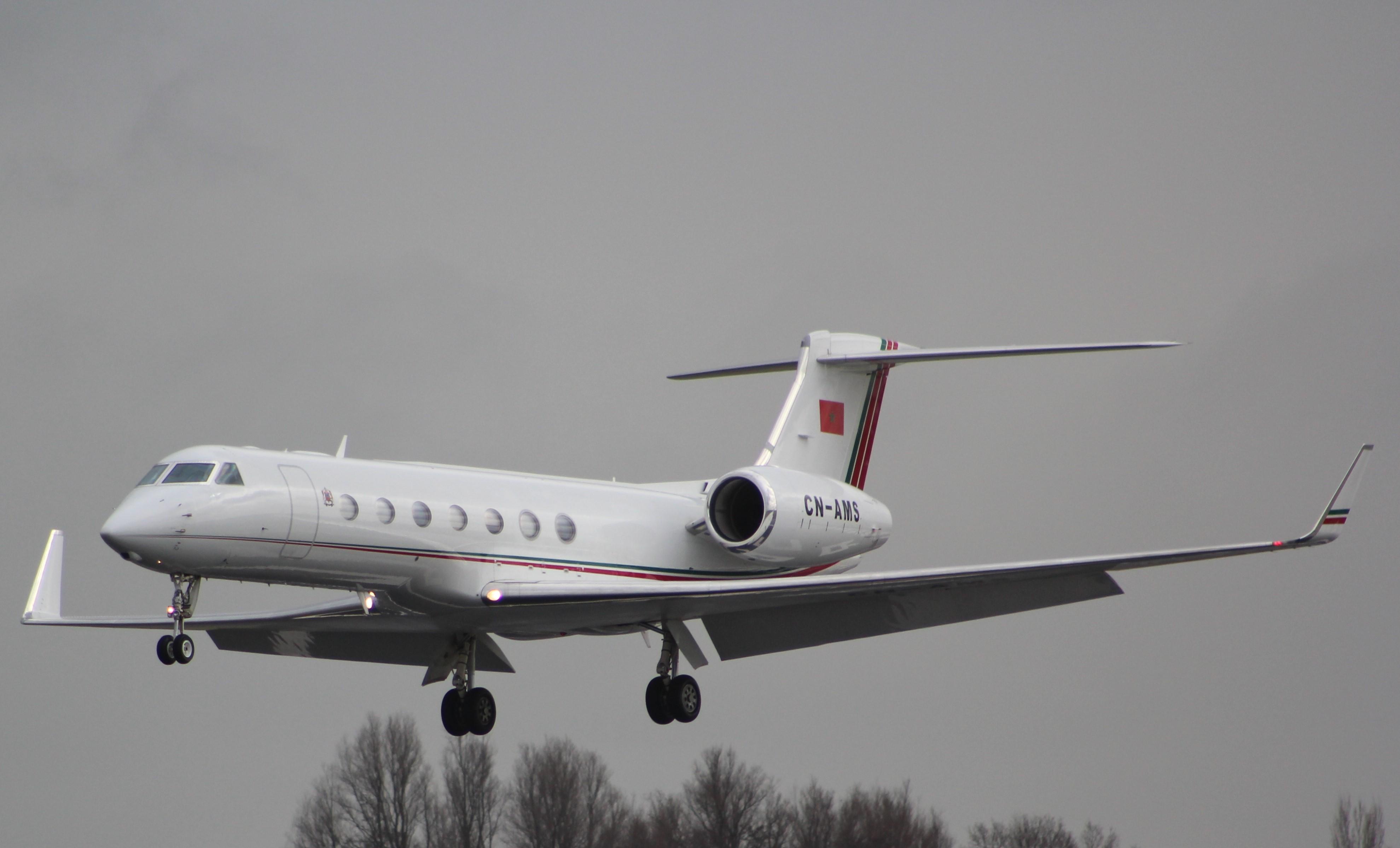 FRA: Avions VIP, Liaison & ECM - Page 12 25761834880_d04834d626_o