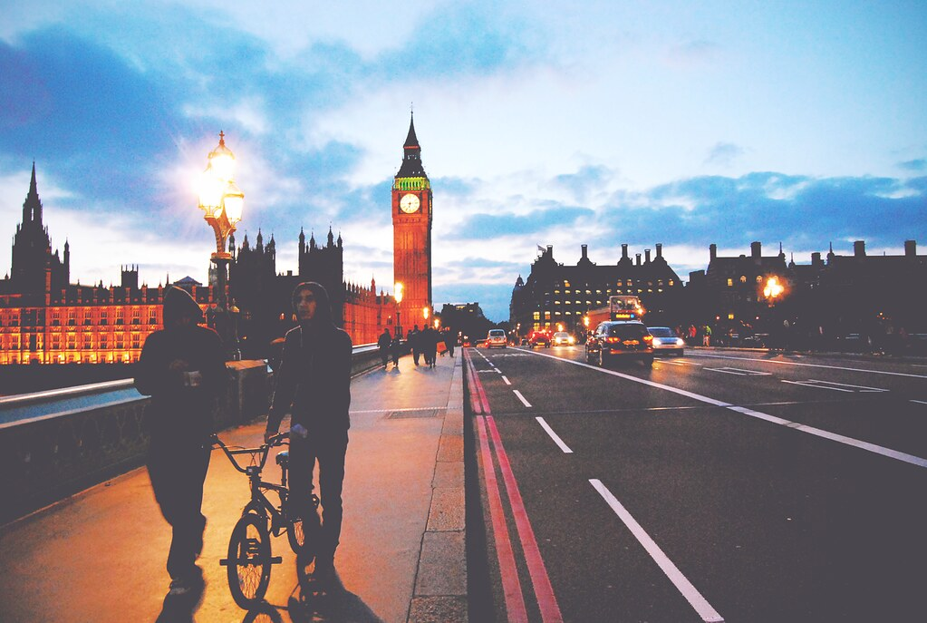 Westminster Bridge by night | via It's Travel O'Clock