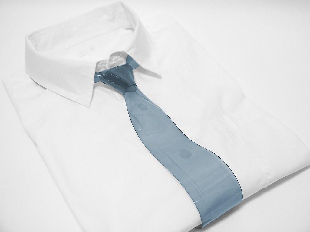 世界一透明なネクタイ