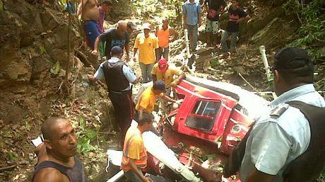 Un muerto al precipitarse helicóptero en Aragua