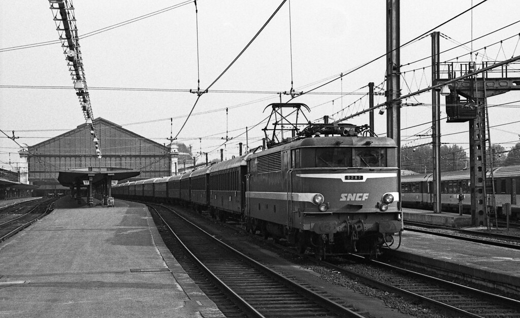 Paris gare d 39 austerlitz sncf bb 9287 classic venice sim for Train tours paris austerlitz