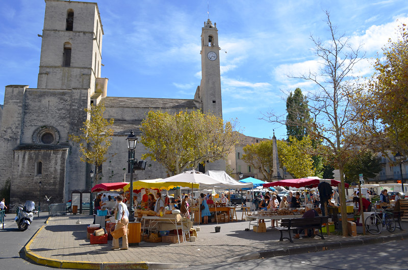 Farmers' market, Forcalquier, Provence