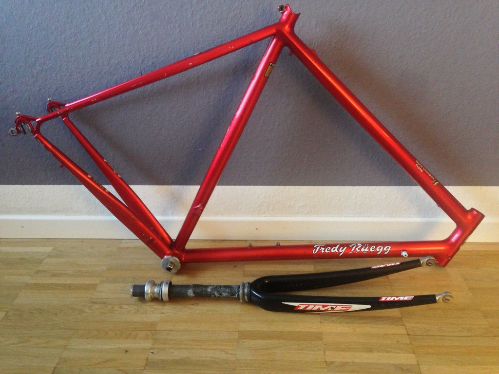 My wifes sucking my dick on hidden camera