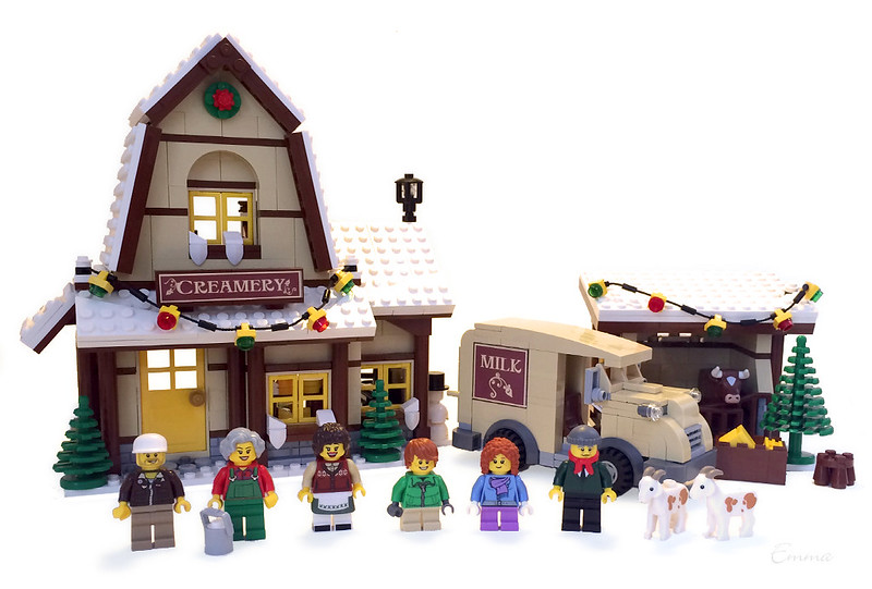 LEGO-Winter Village-Creamery-01