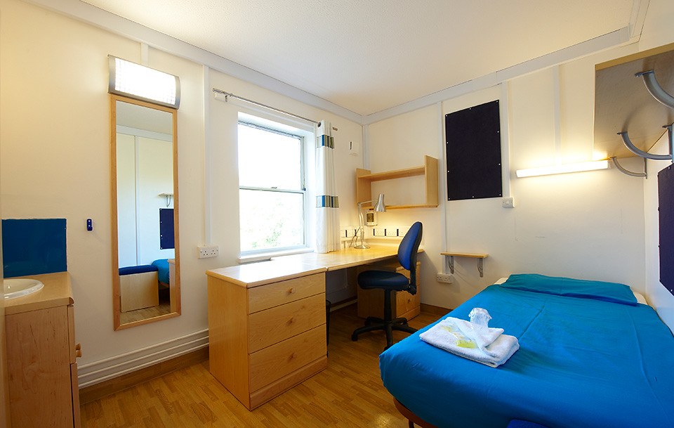 A bedroom in Eastwood accommodation