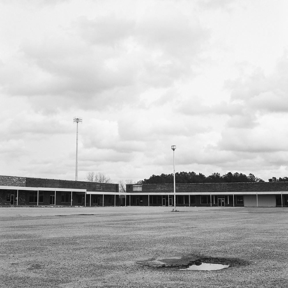 Fayette Mall 2 - Mamiya C330f | Kodak Tri-X 400