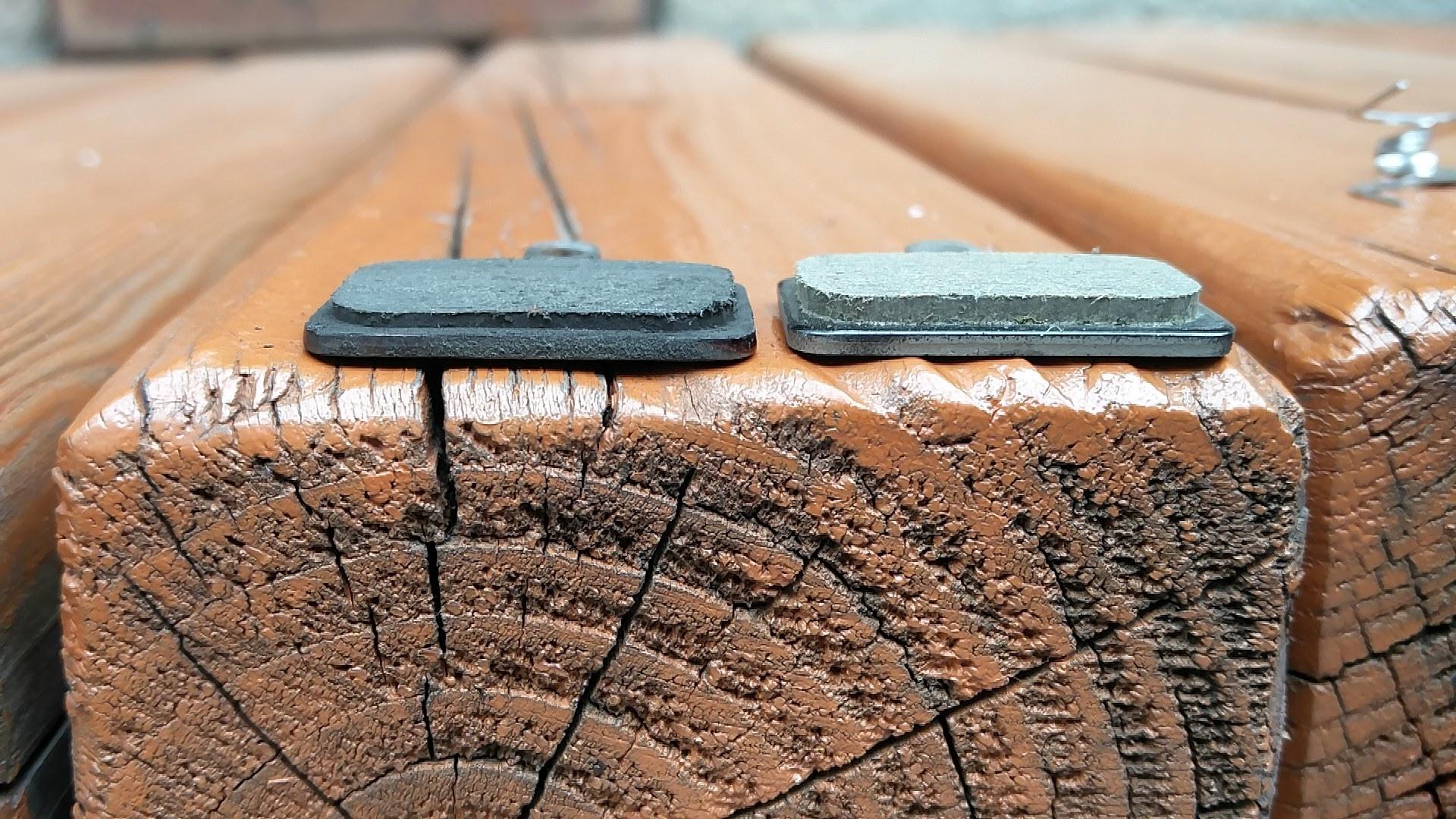 브레이크 패드-'자전거 디스크 브레이크 패드 교체(How to replace break pads of the disk brakes)'