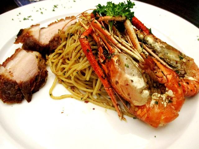 Eternal Dining prawn & pork pasta