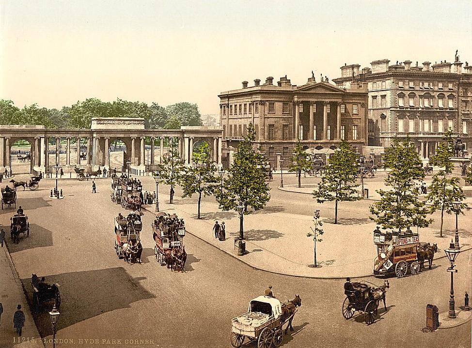 Hyde Park Corner, London, 1895.