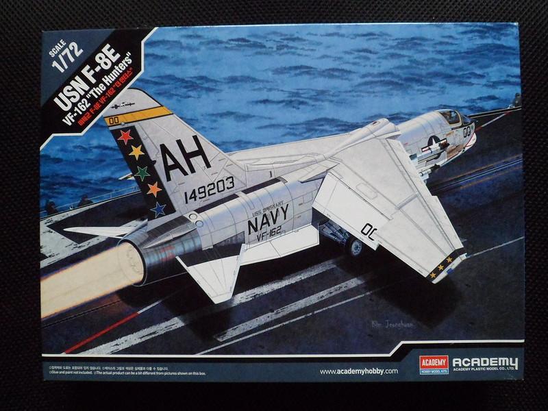 Pas-à-pas : Vought F-8E Crusader [Academy 1/72] 24265134580_70a831f3c5_c
