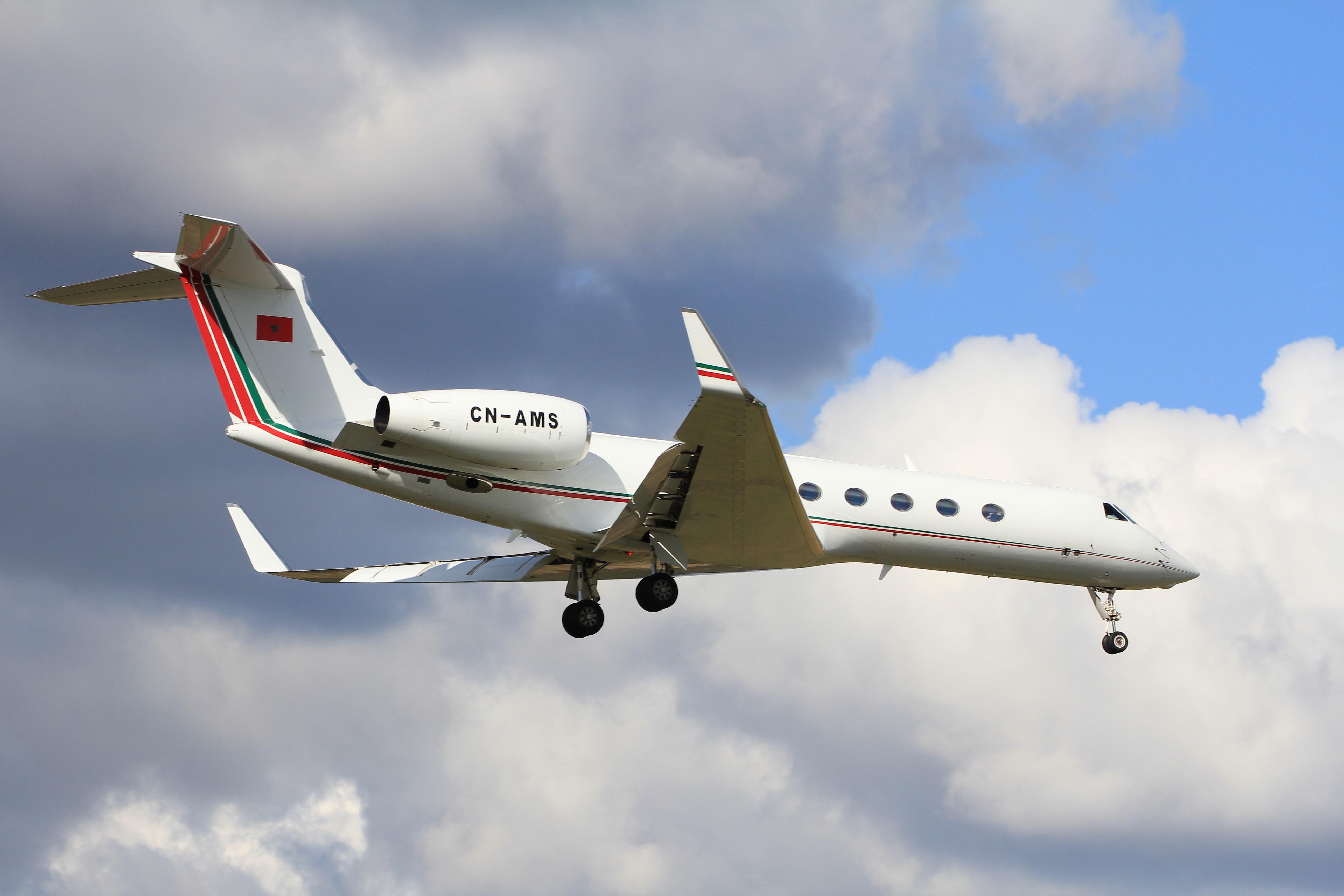 FRA: Avions VIP, Liaison & ECM - Page 12 24967652523_55efe904d7_o