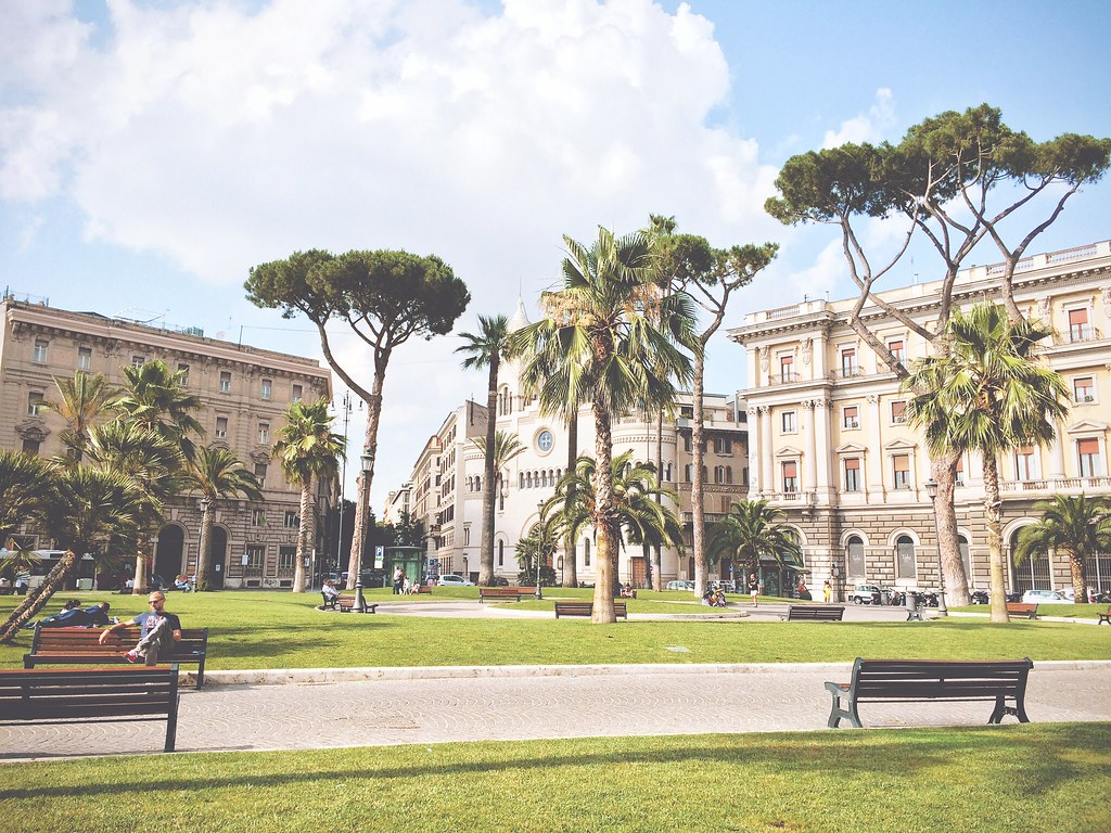Square in Rome | via It's Travel O'Clock