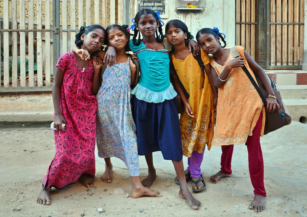India - Tamil Nadu - Pondicherry - Young Ladies -1830