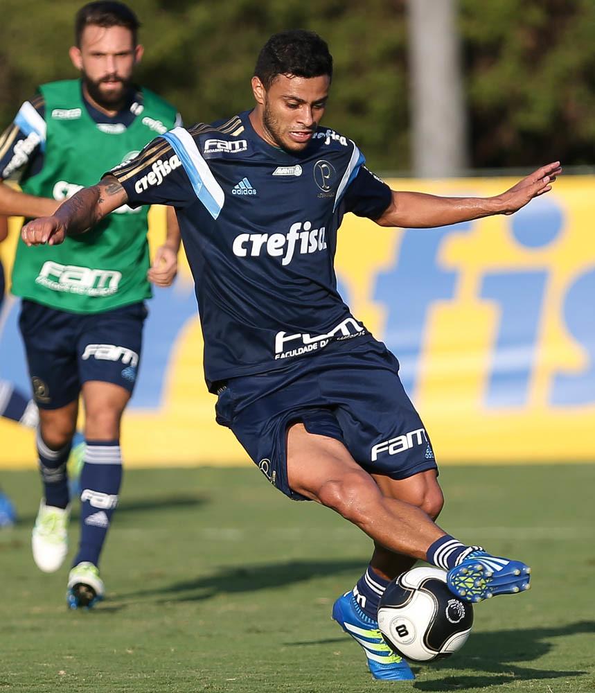 Com Arouca, Palmeiras treina visando decisão contra River Plate-URU