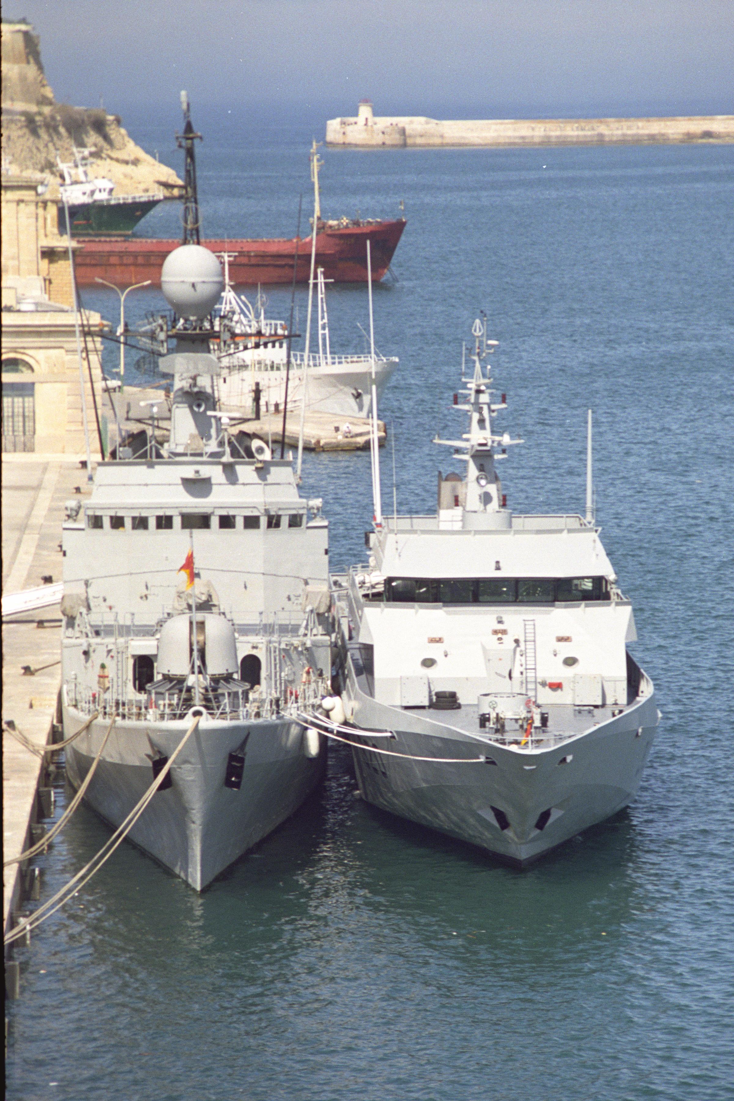 Royal Moroccan Navy Descubierta Frigate / Patrouilleur Océanique Lt Cl Errahmani - Bâtiment École - Page 3 24685164480_bffd01147a_o