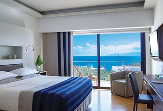 Porto Sea View Superior Room with Individual Pool