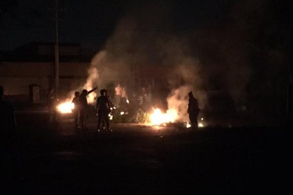 Fallas eléctricas generaron protestas que causaron estragos en varias zonas de Aragua