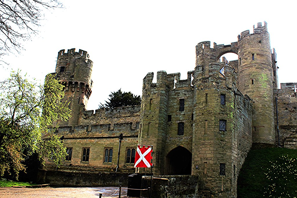 Main entrance at Warwick Castle, Englland