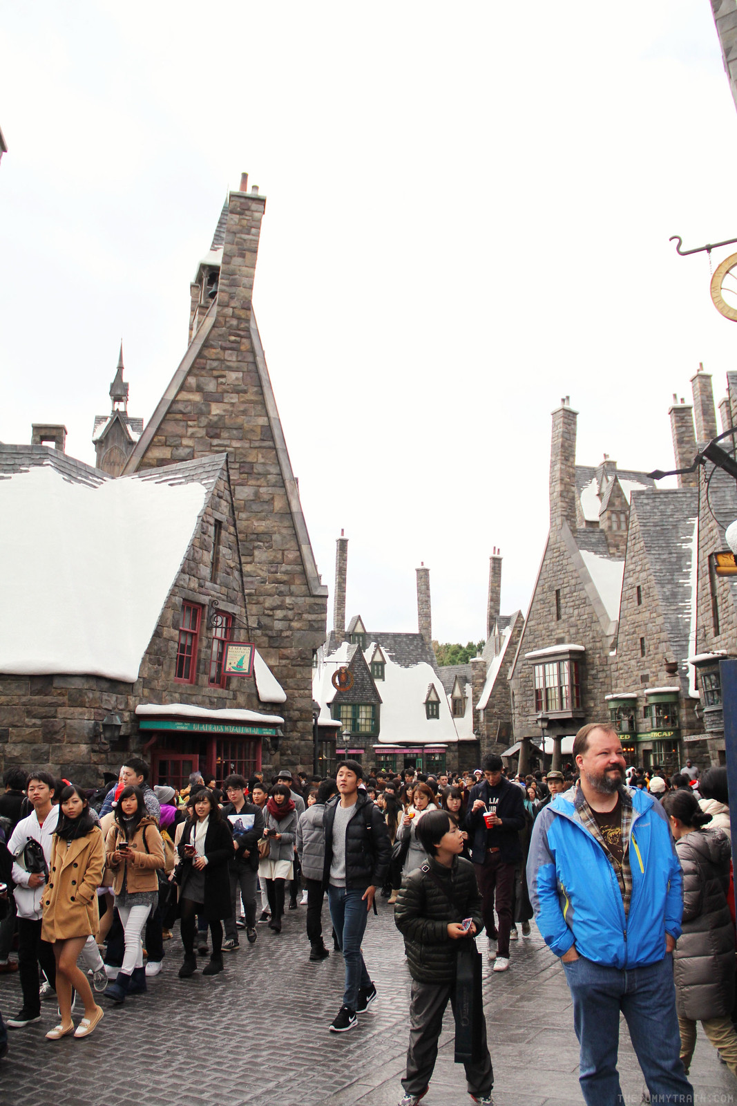 25038009499 d5751a11b0 h - {Japan Travel Diary 2015} Walking around Universal Studios Japan [VIDEO]