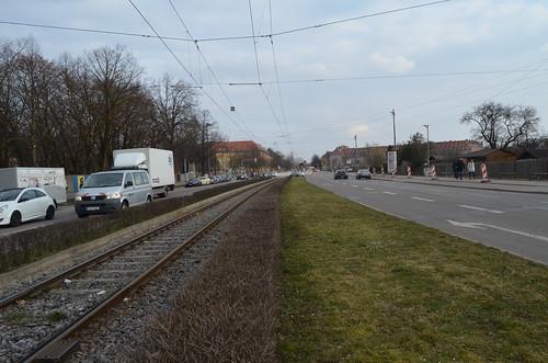 Noch ist an der Hanauer Straße nichts vom zweiten Gleis zu sehen (Bild: Leo Papic)