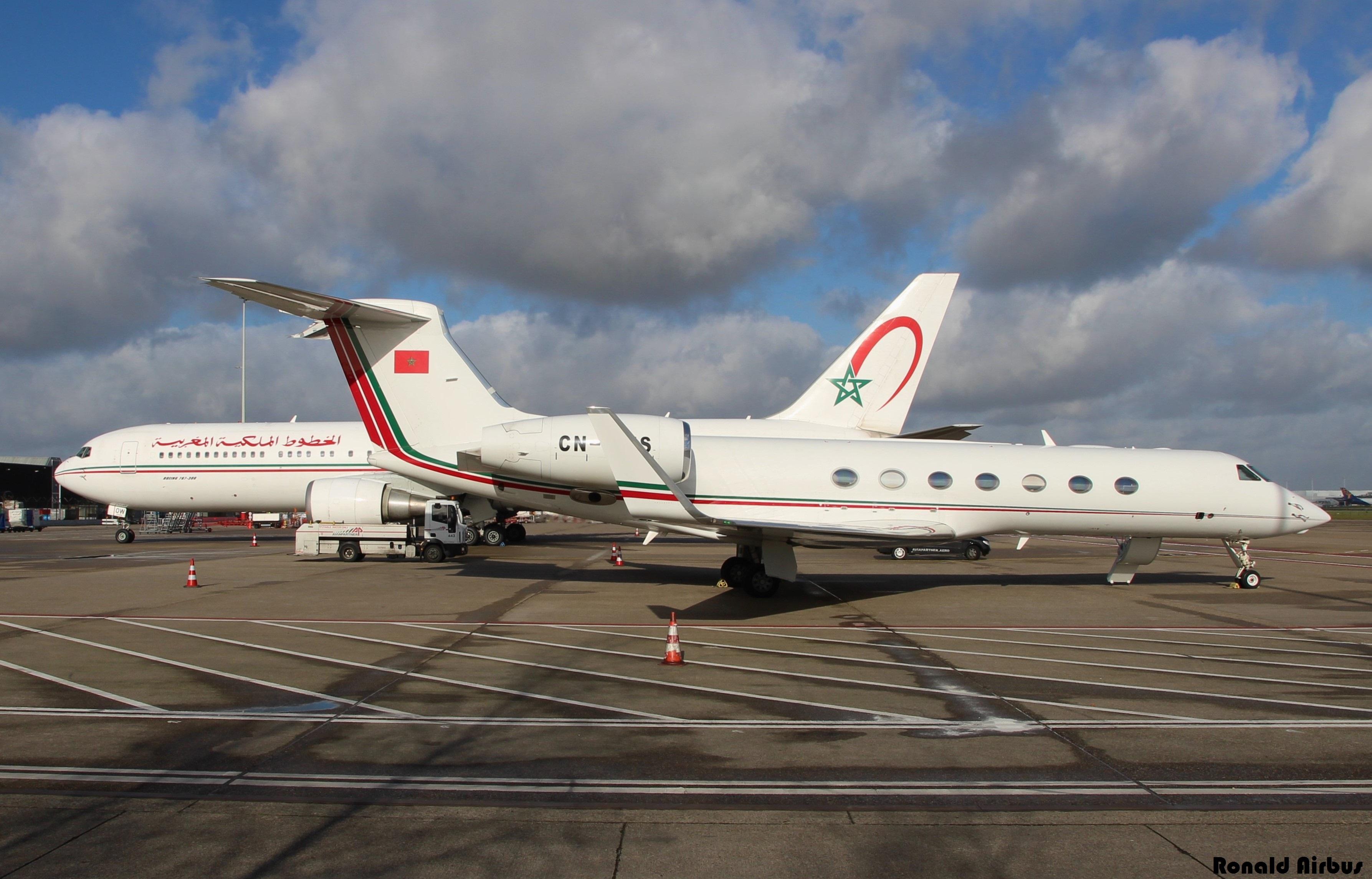 FRA: Avions VIP, Liaison & ECM - Page 12 26005816626_bac8a4ffed_o