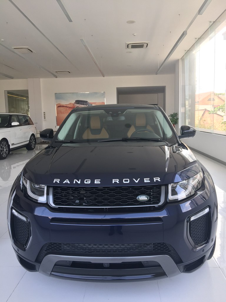 gi b n c a xe range rover evoque 5 ch t t nh t s i g n. Black Bedroom Furniture Sets. Home Design Ideas