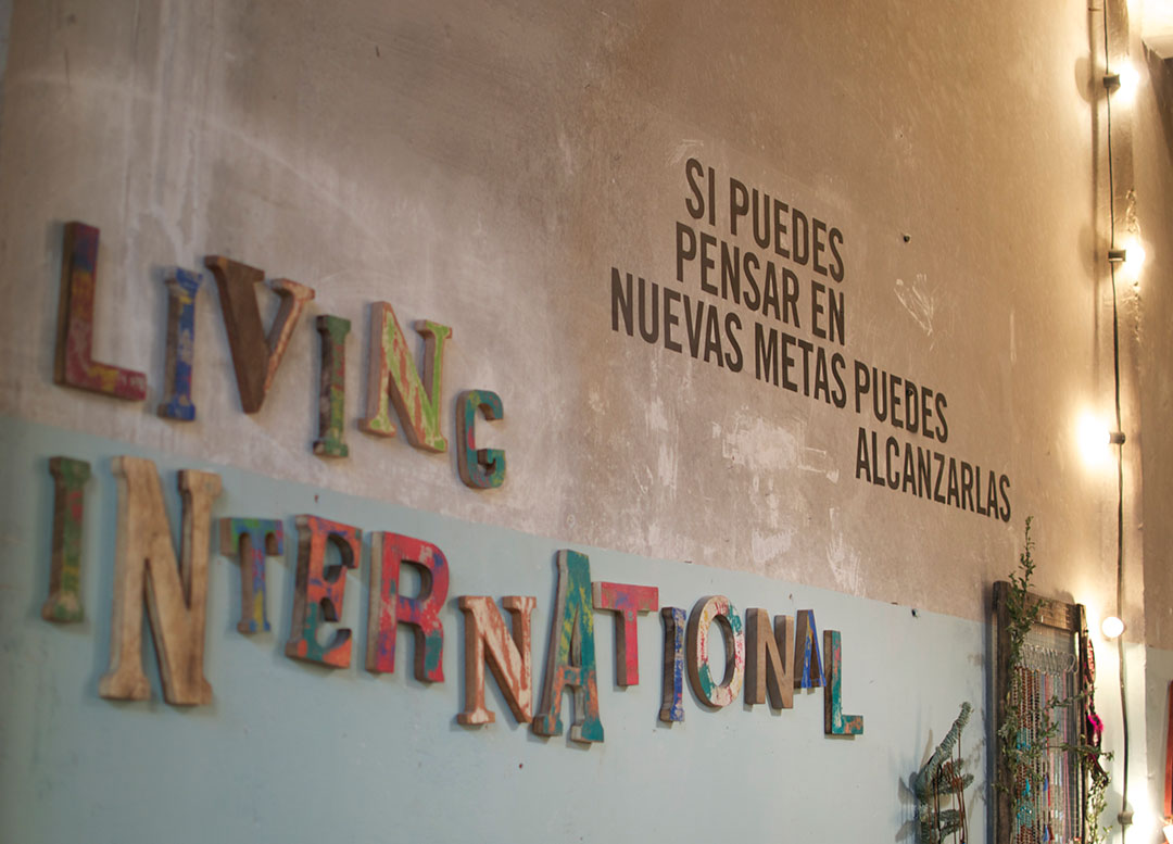 Living International en Slow Revolution