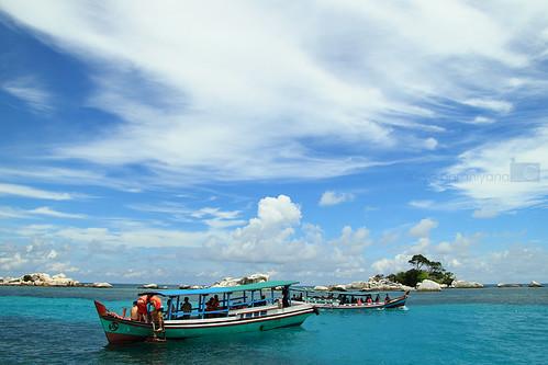 Pemandangan di sekitar Pulau Lengkuas