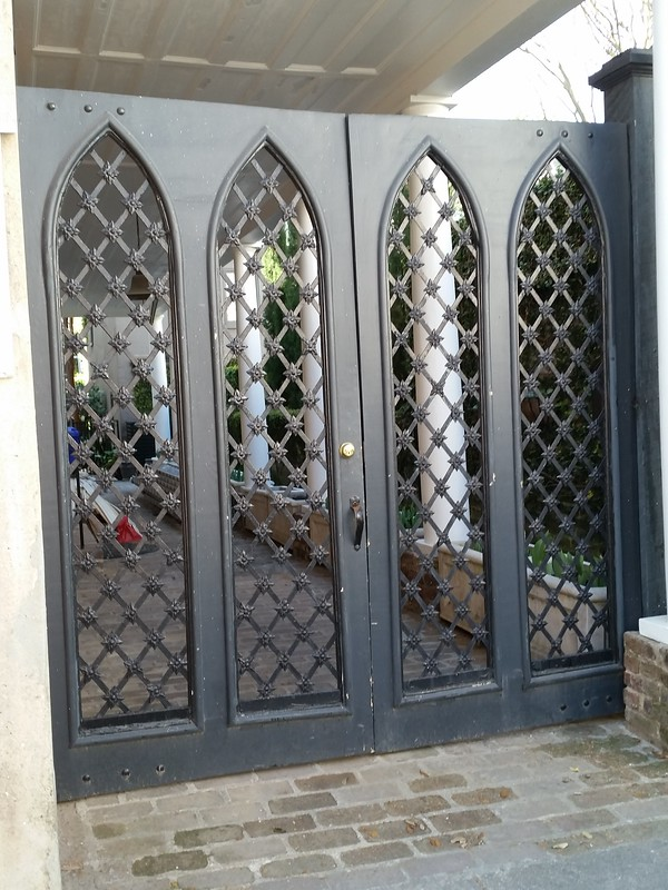 pointed arch gates