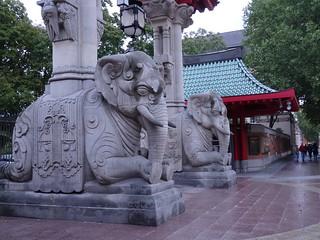 Jardín zoológico (Berlín), puerta de los elefantes